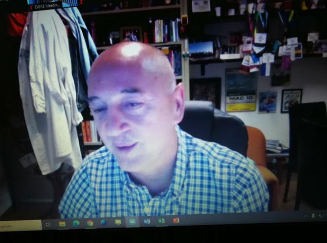 Andrea Cossarizza aus Modena, Italien, bei seinem Vortag während der DiGifZ